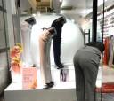 bowing-mannequins