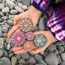 stone-art-mandala-elspeth-mclean-canada-13-605x605